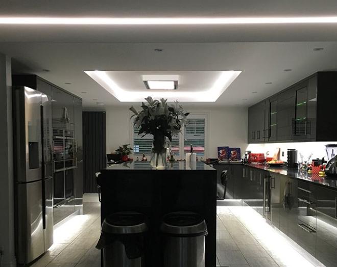 Recent Project: Black quartz worktops – take a look